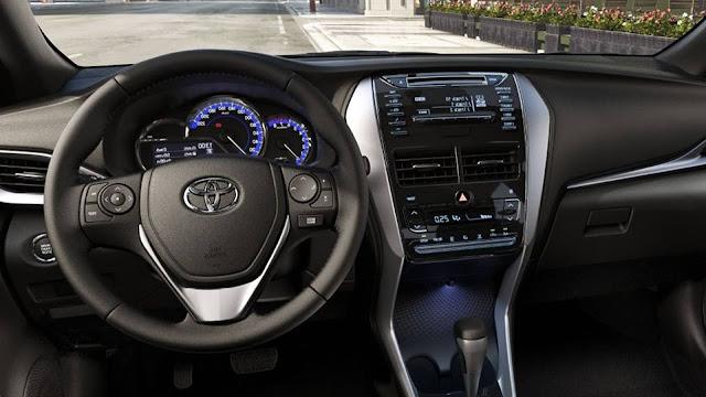 Novo Toyota Yaris - interior