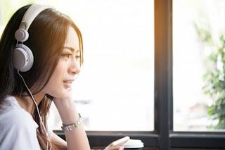 10 Manfaat Mendengarkan Musik Yang Bisa Menyehatkan Fisik dan Mengusir Depresi