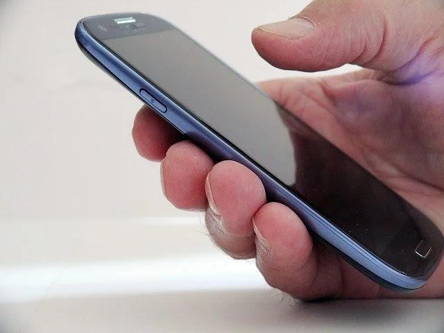 5 Tanda Anda Harus Mengganti Ponsel