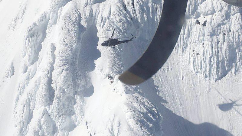 Así fue el impresionante rescate de dos andinistas accidentados en el volcán Puntiagudo
