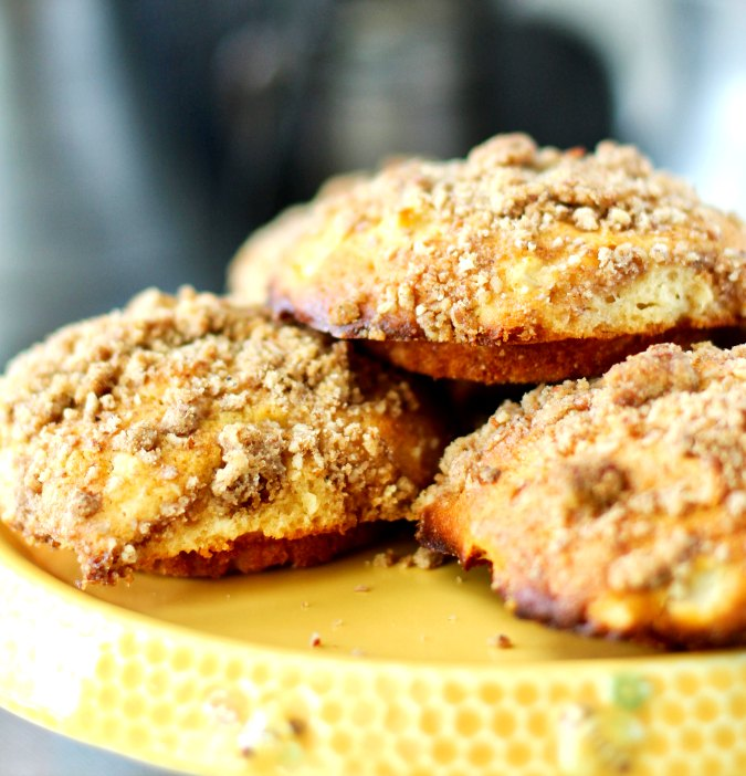Apple and pecan streusel muffin tops