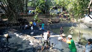 Mengintip Wisata Religi Makam Kramat Mbah Buyut Tambi di Indramayu