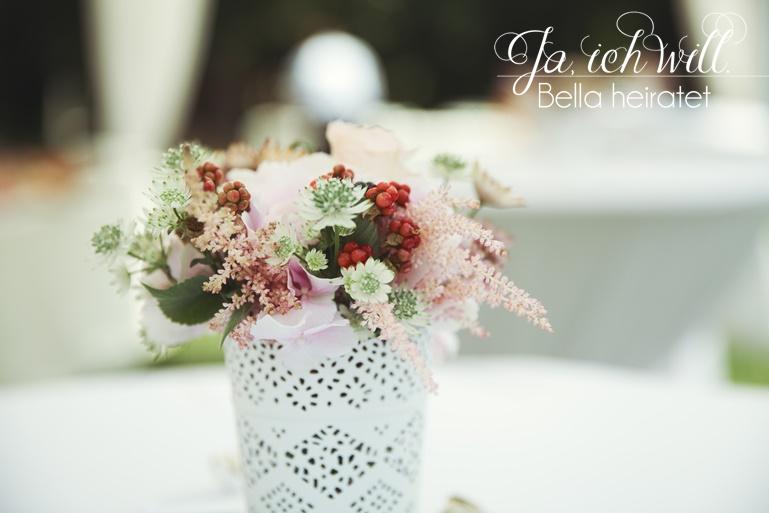 Blumenstrauß Hochzeit Ikea Vase