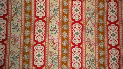Batik Kaltim umumnya memiliki kombinasi warna yang cukup mencolok dipadu  dengan motif yang lumayan penuh. Namun justru disinilah daya pikatnya yang  membuat ... 12ff8c9df5