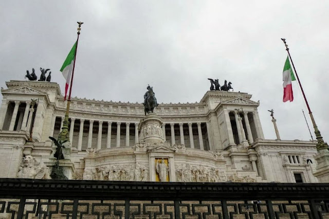 Rome in Winter: Monumento Nazionale a Vittorio Emanuele II