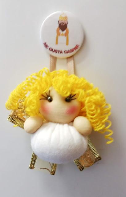 Ángel de navidad en dorado