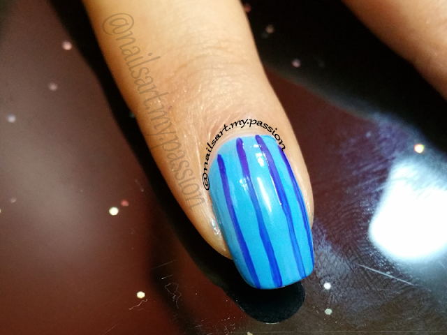 Tutorial 3: Blue Stripped Flower Nails