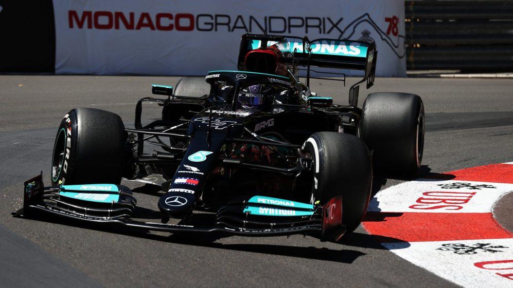 'Muitas vezes sou grato por dias ruins', diz Hamilton ao jurar que a Mercedes aprenderá com Mônaco