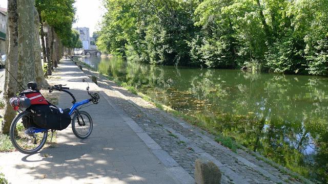 De Paris à la Rochelle en vélo couché, Niort