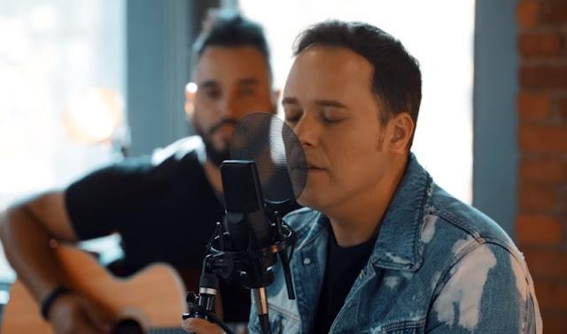André Valadão mostra sua versão acústica de 'Santo Espírito'