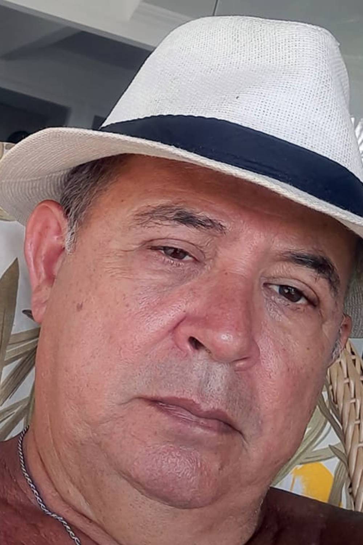 literatura paraibana poesia carlos kahe joao cabral melo neto hostia pela metade