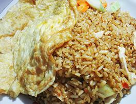 Resep cara membuat nasi goreng spesial dan rumahan yang enak, sederhana, serta mudah