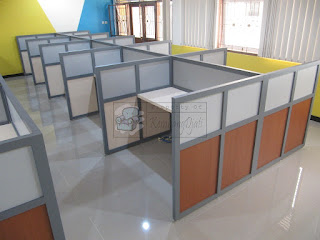 Meja Partisi Untuk 10 Orang