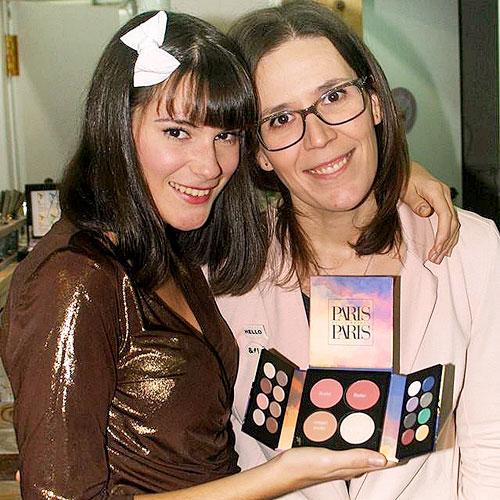 monika sanchez y mari jo con paleta paris paris de mirlans