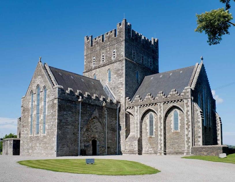 Onde nada havia, Santa Brígida iniciou os mosteiros e hoje tem a catedral de Kildare