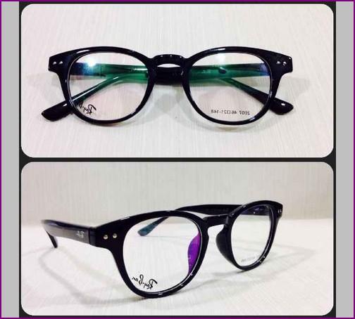 Tips Memilih Model Kacamata Untuk Hidung Pesek Berhijab ...