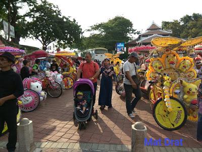 Bercuti Tempat Menarik Melaka Stadhuys Beca Berhias