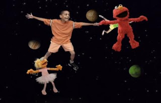 Grover, Elmo, Zoe, and the kids sing about the planets, moon, and stars. Sesame Street Happy Healthy Monsters