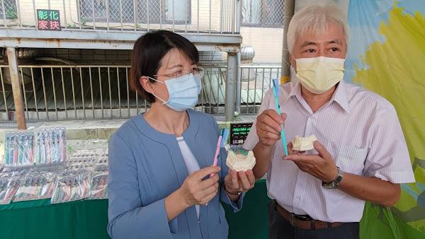 發明家盧建州研發伸縮牙刷 捐6百支守護家扶兒少口腔健康