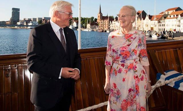 Frank-Walter Steinmeier and his wife Elke Büdenbender and Prime Minister Mette Frederiksen and her husband Bo Tengberg