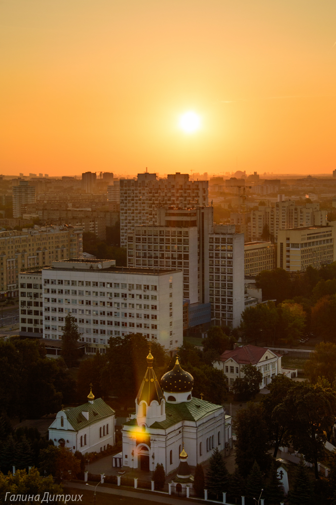 Рассвет над церковью Минск фото