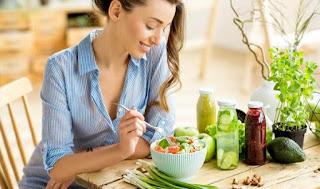 Berikut Kesalahan yang Kerap Dikerjakan Wanita karena Sangat Konsentrasi Saat Diet Sehat