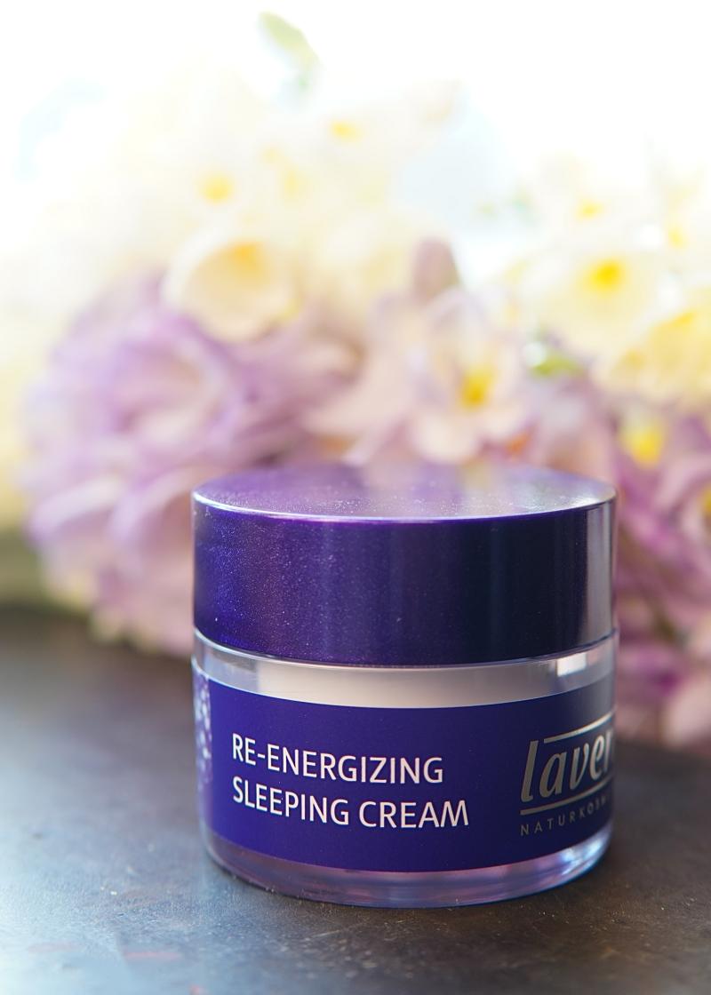 Lavera luonnonkosmetiikka Re-Energizing Sleeping Cream