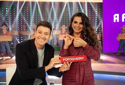 Rodrigo Faro (esq) e Luiza Ambiel (dir.). Crédito: Edu Moraes/Record TV