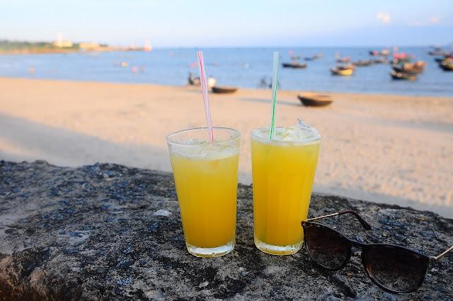 Sunbathe in Ti Top Beach, Beaches in Halong Bay, Beaches Halong Bay, Ti Top Beach, Ti Top Beach Halong Bay,