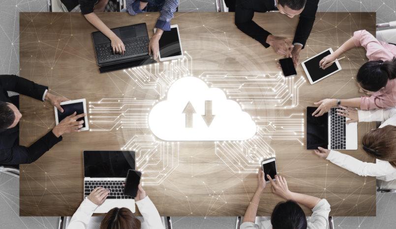 Convierte tu PC en servidor web imagen con licencia Adobe Stock
