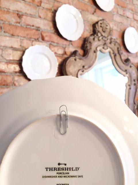Como colgar un plato en la pared