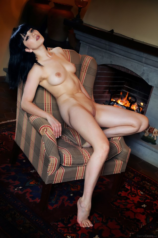 2201525689 [EternalDesire] Malena - My Fire