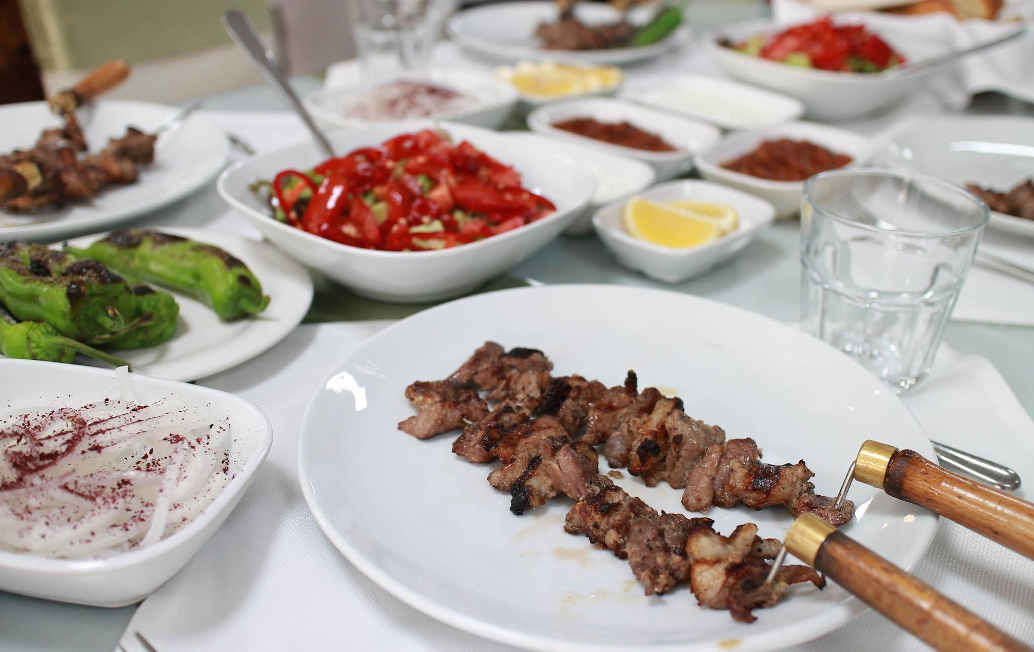 koc cağ kebap ulus ankara cağ kebabı fiyatları ankara cağ kebabı porsion fiyatı