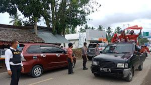 Langgar Prokes Aparat Polisi Bubarkan Konvoi Massa Paslon