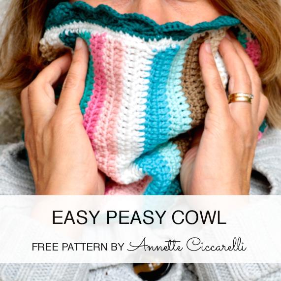 http://myrosevalley.blogspot.ch/2014/10/free-pattern-easy-peasy-cowl.html