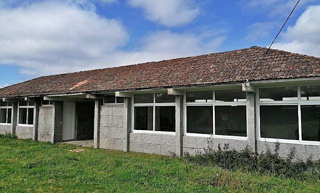 Barro cambiará a cuberta da antiga escola de Cangrallo