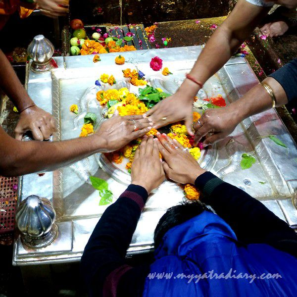 Main natural syambhu Shivaling Anandeshwar Mandir Kanpur, Uttar Pradesh