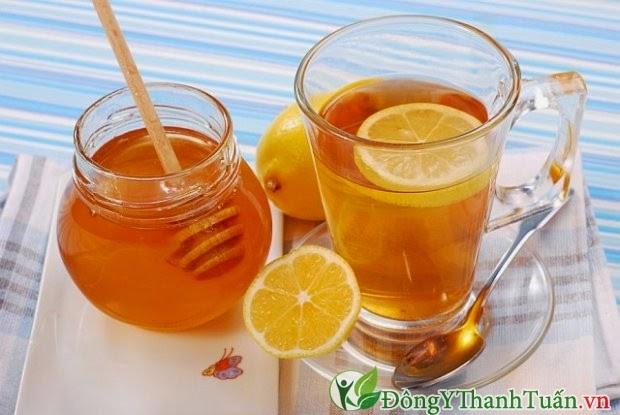 Chữa đau họng hiệu quả bằng nước chanh pha mật ong