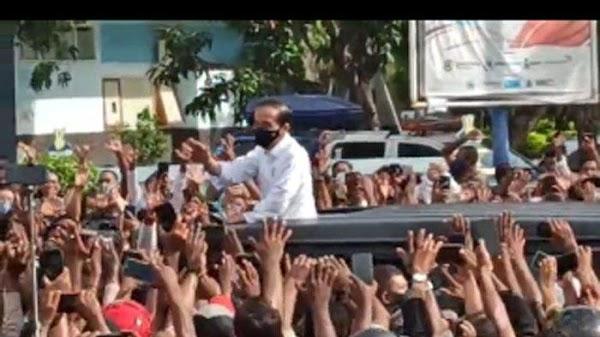 Kepala Jokowi Keluar dari Atap Mobil, Rocky Gerung: Kirain yang Nongol Kepalanya Habib Rizieq