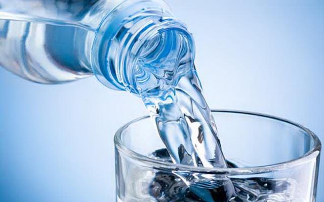 Macam-Macam Air Suci, Apakah Air Mineral Termasuk?