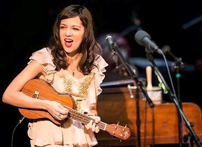 Foto de Natalia Lafourcade en el escenario
