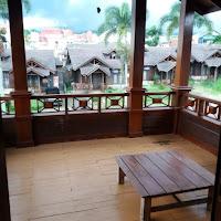 Sewa villa cipanas puncak, villa kayu 5 kamar green apple puncak