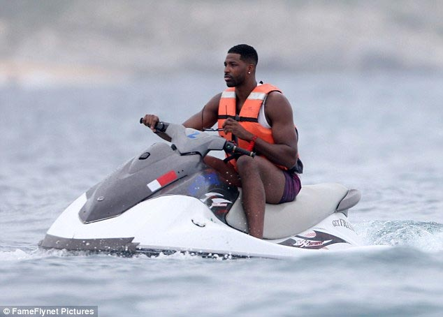 Khloe Kardashian goes on beach date with new man Tristan Thompson