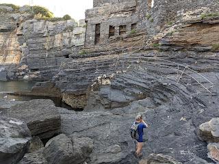The portoro cliffs of Grotta Byron in Porto Venere