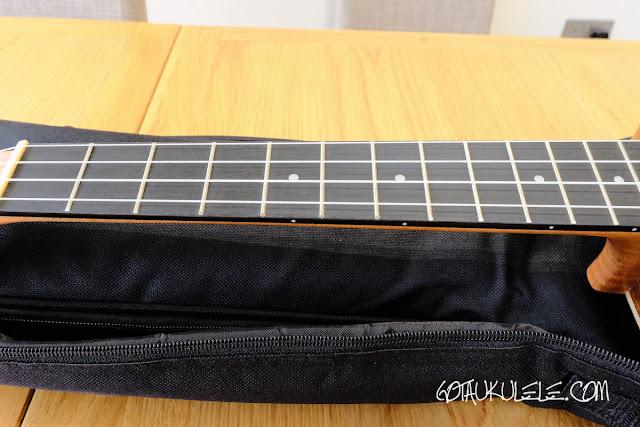 Isuzi EAK-B Baritone Ukulele fingerboard
