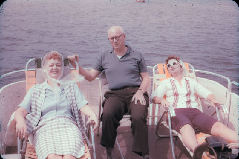 Amazing Found Snaps Capture Beautiful Life of an Ohio Family in the Early 1960s