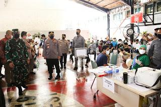 Vaksinasi Massal di Ponpes Minhaajurrosyidiin Panglima TNI dan Kapolri Apresiasi Pihak Pesantren