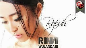 Rinni Wulandari Lirik Rapuh www.unitedlyrics.com