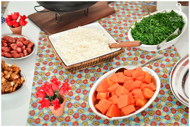 mesa de almoço decorada
