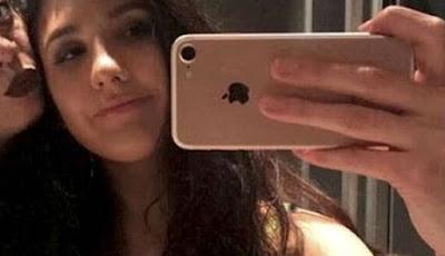 Jessica Cain dan temannya selfie